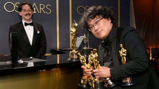 Ký sinh trùng của đạo diễn Bong Joon Ho đoạt 4 giải Oscar