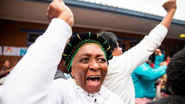 Mujer sudafricana