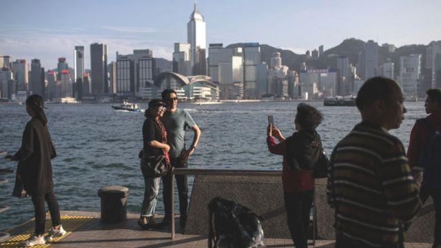 香港是亞洲的金融中心,其服務業佔本地生產總值的90%以上。