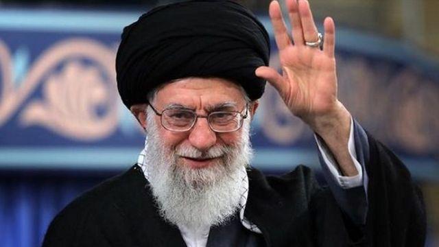 آیت الله علی خامنه ای از سی سال پیش رهبر جمهوری اسلامی ایران است