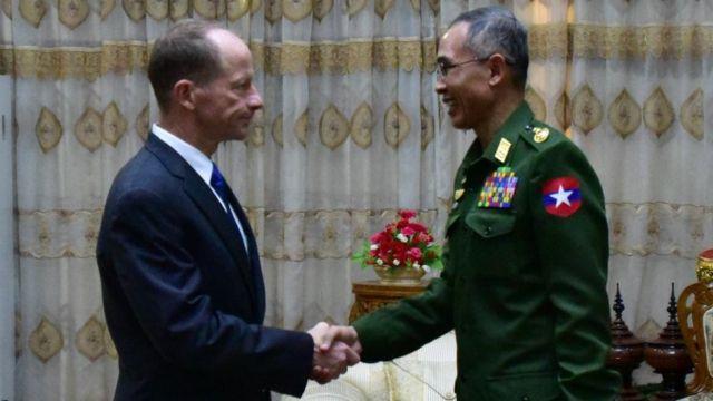 မြန်မာနိုင်ငံမှာ စစ်မှန်တဲ့ ငြိမ်းချမ်းရေးရရှိဖို့အတွက် အားလုံးပူးပေါင်းဖို့လိုပြီး ပွင့်လင်းမြင်သာမှုနဲ့ တာဝန်ယူ၊ တာဝန်ခံမှုတို့အရေးကြီးတာကိုလည်း ကာကွယ်ရေးဝန်ကြီး နဲ့တွေ့ဆုံစဉ်မှာ ဆွေးနွေးခဲ့တယ်
