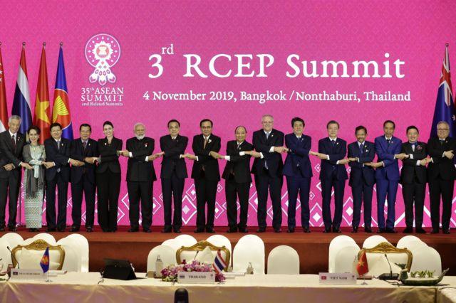 Lãnh đạo các quốc gia tham gia RCEP tại Hội nghị thượng đỉnh RCEP lần thứ 3 vừa diễn ra ở Bangkok.