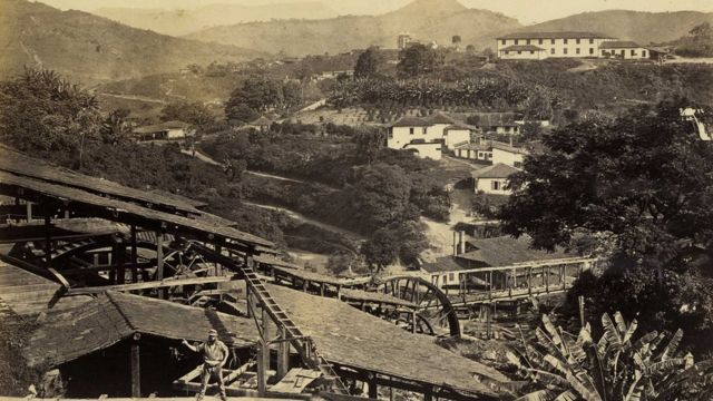 Foto antiga de mineração