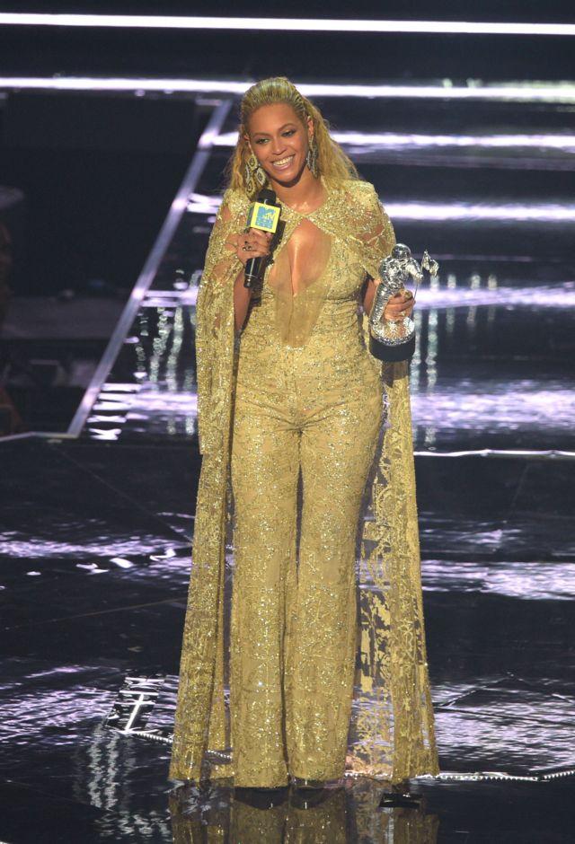 Beyonce est aussi surnommée Queen Be