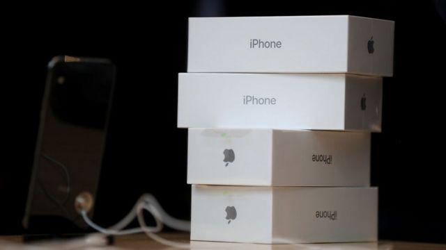 Pila de iPhones