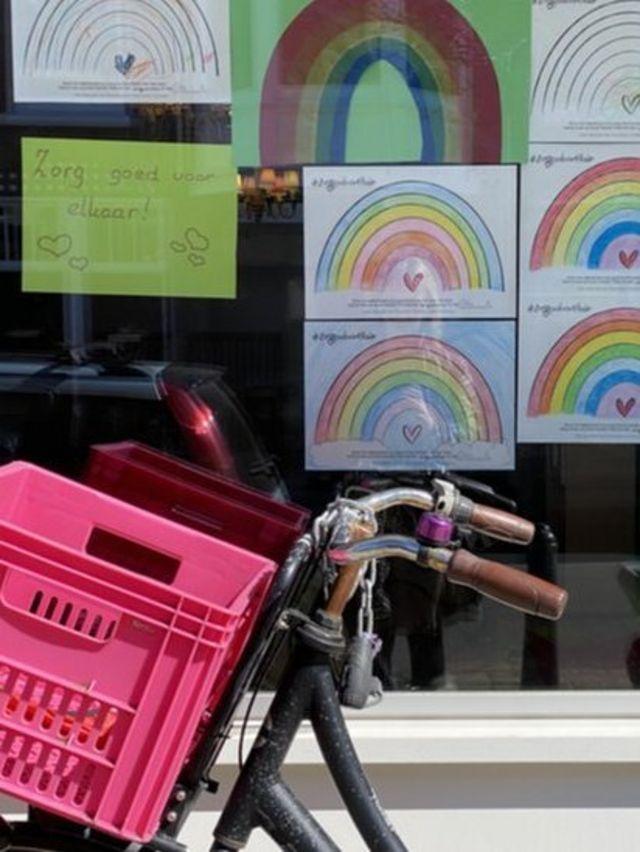 Las guarderías y centros que cuidan de los niños están cerradas excepto para los hijos de trabajadores clave