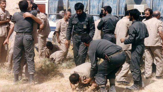 شماری از اسرایی که مجاهدین آزاد کرده بود و از طریق صلیب سرخ به ایران منتقل شده بودند پس از ورود به ایران 'بازداشت شدند'