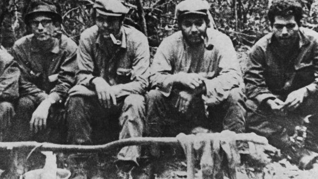 El Che Guevara, segundo por la izquierda, con otros compañeros de la guerrilla boliviana en 1967.