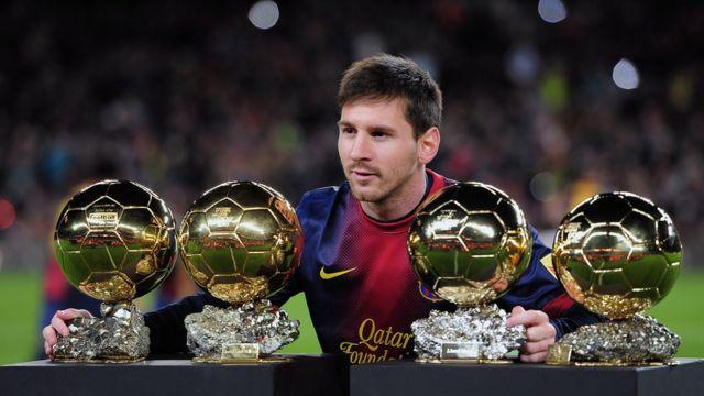 Lionel Messi con cuatro balones de oro
