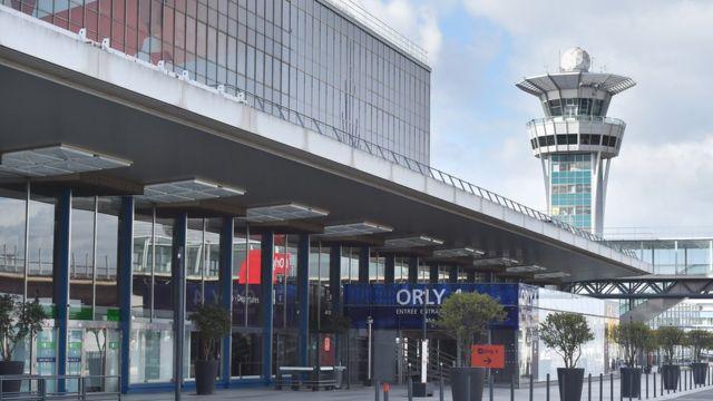 Garoonka diyaaradaha Orly Airport ee ku yaalla Paris