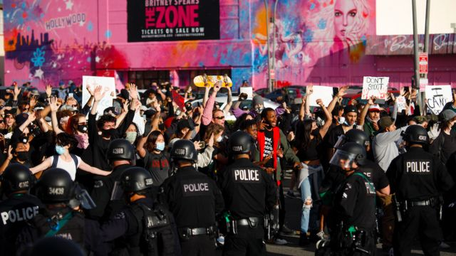 Protesters square off against police in Los Angeles, California USA, 30 May 2020