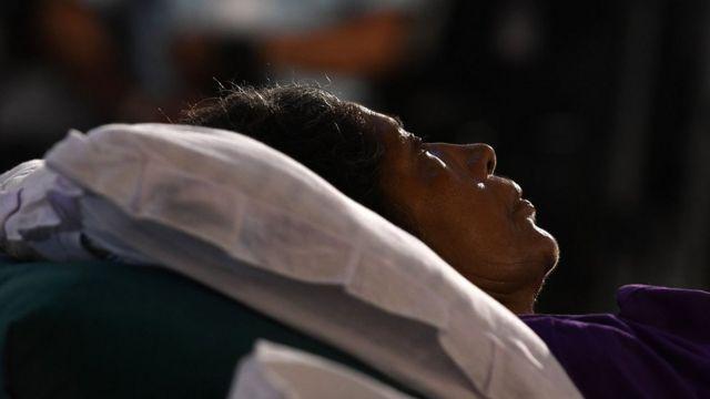 இலங்கையில் ஈஸ்டர் தாக்குதலில் பிழைத்த ஒருவர் கிறிஸ்துமஸ் நாளில்.