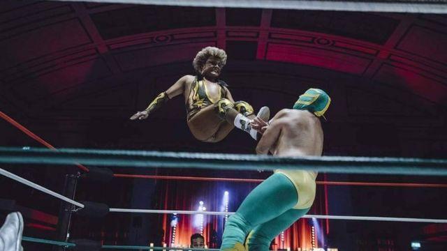Cassandro em ação nos ringues