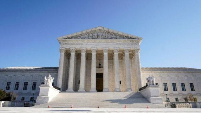 حکم دادگاه عالی راه دادستانها برای کنکاش در سوابق مالی دونالد ترامپ را هموار کرد