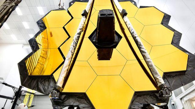 Parte del telescopio James Webb