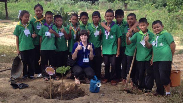 ลอเรน เอเวอรี่กับเด็ก ๆ ที่เมืองไทย