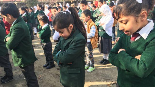 कश्मीर में खुले स्कूल