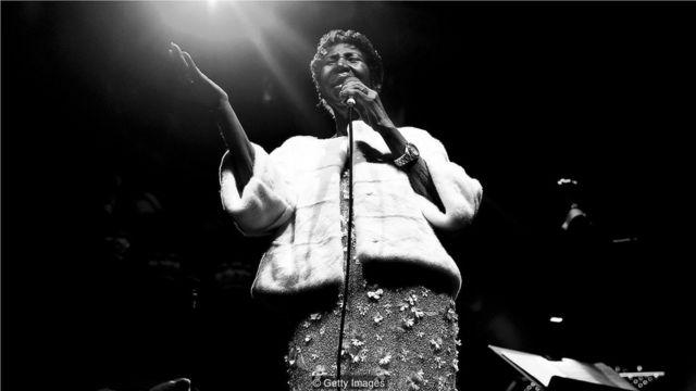直到去世前不久,她一直都在表演,2017年11月7日,包括埃爾頓·約翰(Elton John)艾滋病基金會25週年音樂會。