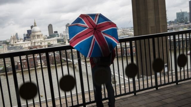 UK productivity sees further fall