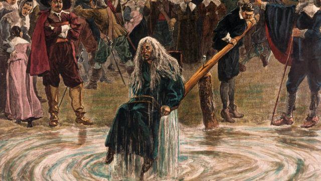 رسم تصوري لإغراق امرأة متهمة بالسحر