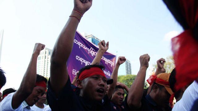 မူလနေရာမှာ ပြန်ခန့်ပေးဖို့ ရန်ကုန်ဝန်ကြီးချုပ်ကို တောင်းဆိုနေကြ