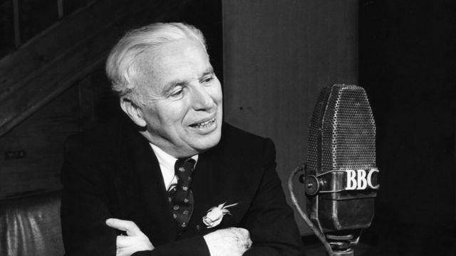 1952年卓别林在BBC广播2台接受采访