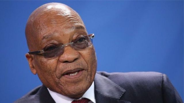 Prezida Zuma bariko baramuhatira gutanga imihoho