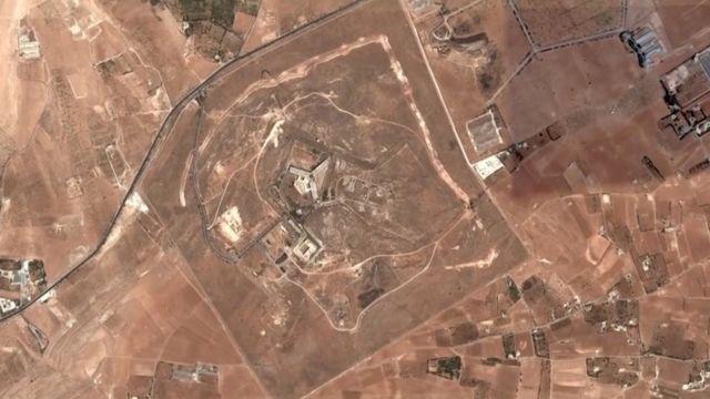 снимок территории тюрьмы из самолета