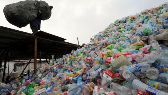Lixo plástico na China