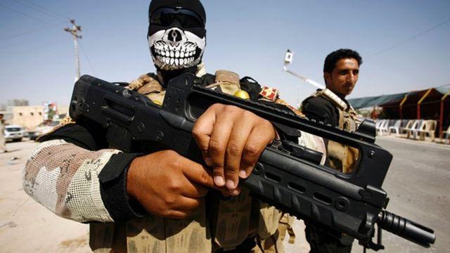 L'armée irakienne et des forces alliées ont lancé dimanche une offensive visant à reprendre la ville