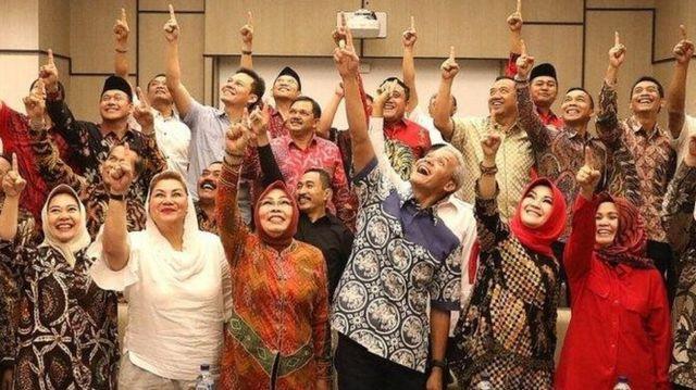 Puluhan kepala daerah di Jawa Tengan mendeklarasikan dukungan mereka untuk pasangan calon presiden-wakil presiden Joko Widodo-Ma'ruf Amin yang digelar di Hotel Alila Solo, pada 26 Januari silam