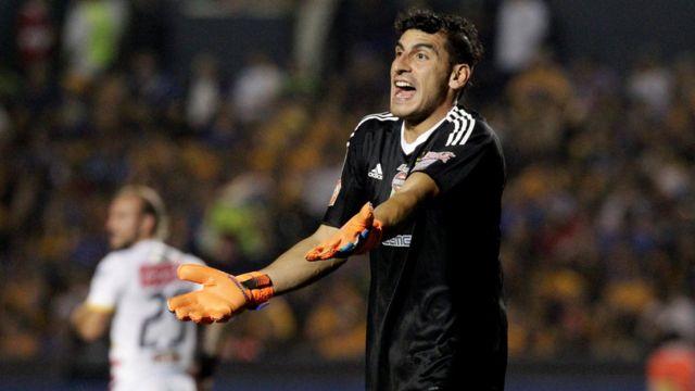 Guzmán, en un partido del campeonato mexicano.