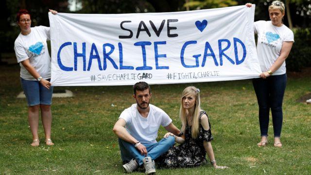 Родители 11-месячного Чарли Гарда