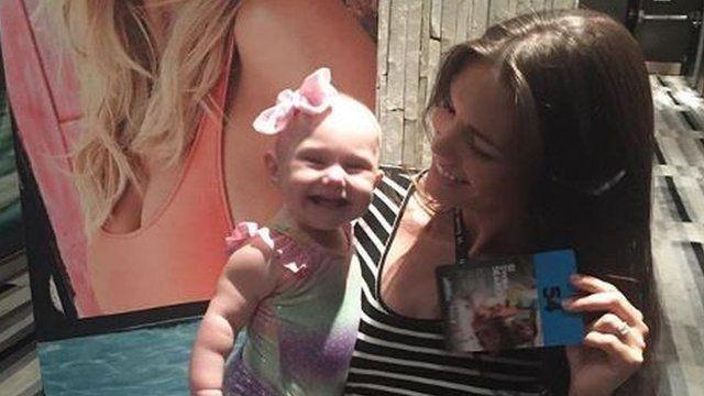 瑪拉·馬丁會在社交平台貼出女兒艾瑞的照片。