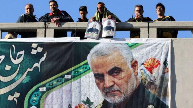 Protestos no Irã contra assassinato do general Qassem Soleimani