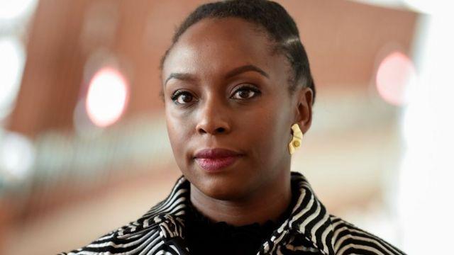 L'écrivaine nigériane a brisé le silence lors d'un forum à Stockholm.