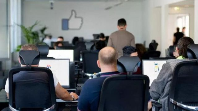 Модераторы пользовательского контента Facebook