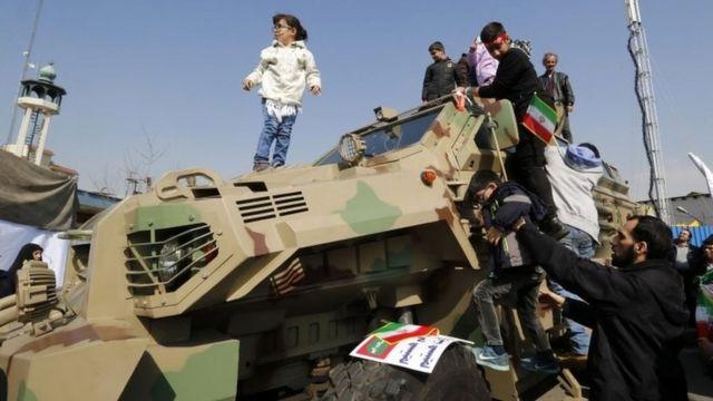 نمایش تانک در تهران