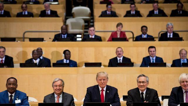 Tổng thống Mỹ Donald Trump, Tổng Thư ký Liên Hợp Quốc Antonio Guterres và các quan chức khác tại cuộc họp về Cải cách LHQ tại trụ sở LHQ hôm 18/9/2017 ở New York.