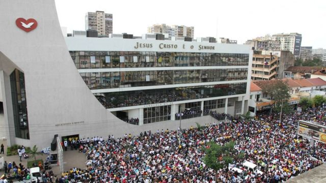 Universal em Maputo