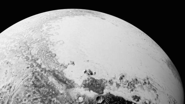 تصنيف بلوتو كوكب قزم في عام 2006 جدد البحث عن كوكب تاسع جديد NASA/ Johns Hopkins University /Southwest Research