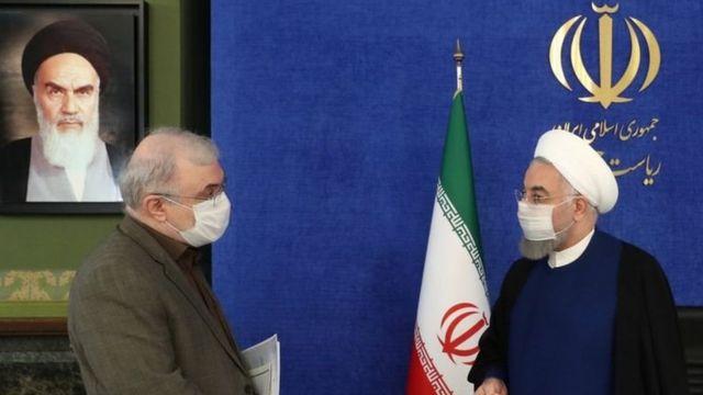 حسن روحانی رئیس جمهور و دکتر سعید نمکی وزیر بهداشت ایران در جلسه ستاد ملی مقابله با کرونا