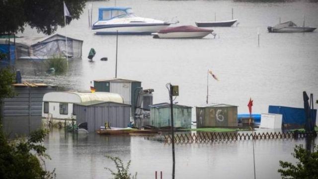 Голландська комуна Рурмонд біля річки Мез зараз виглядає так