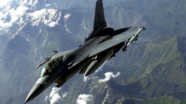 طائرة حربية من طراز إف 16