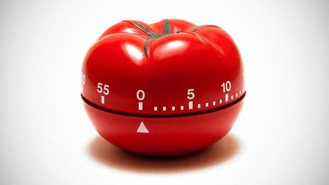 """طريقة """"البندورة"""" تعتمد على تشغيل منبه بالمطبخ لمدة 25 دقيقة"""