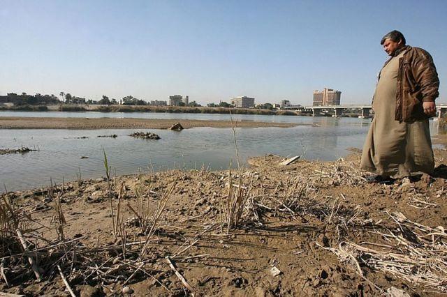 عراق میگوید سطح آب دو رودخانه دجله و فرات که از ترکیه سرچشمه میگیرند تا ۵۰ درصد کاهش یافته است
