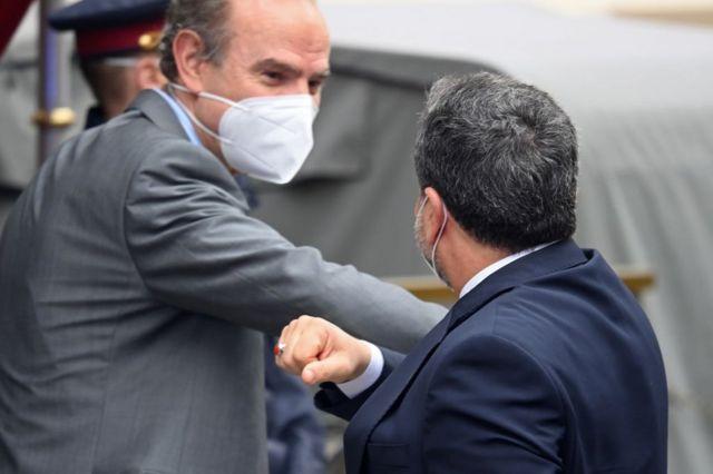 دست دادن دوران کرونایی عباس عراقچی که دیگر در رأس هیات مذاکرات هستهای ایران نیست
