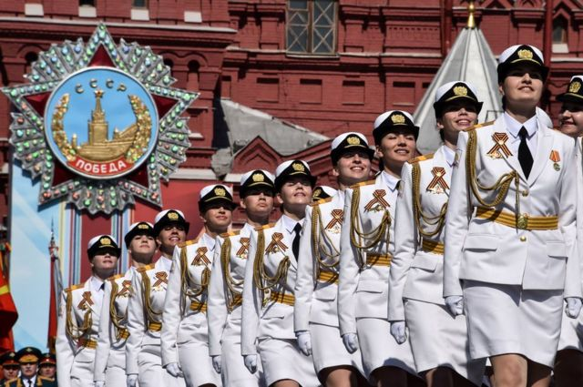 Russian WW2 Victory Day parade showcases new weapons