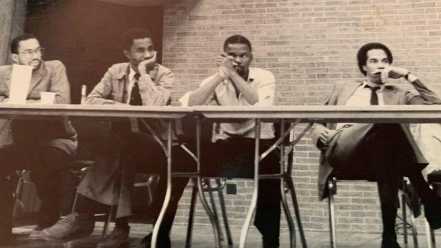 • تیم مناظره دانشگاه هاوارد در سال ۱۹۸۱؛ کامالا هریس یکی از معدود زنانی بود که به این تیم پیوست