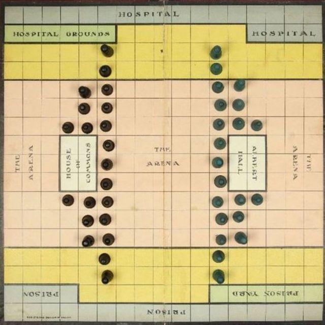 'సఫ్రేజెట్టో' గేమ్ బోర్డు. ఆక్స్ఫర్డ్లోని బోడ్లియన్ లైబ్రరీలో మాత్రమే ప్రస్తుతం ఈ బోర్డు ఉంది.